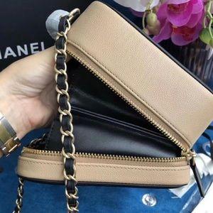 7b38269d306685 CHANEL Bags   Small Cc Filigree Vanity Bag Nudeblack   Poshmark